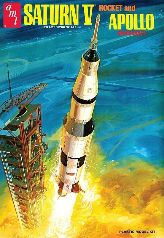AMT 1:200 Saturn V Rocket Plastic Model Kit