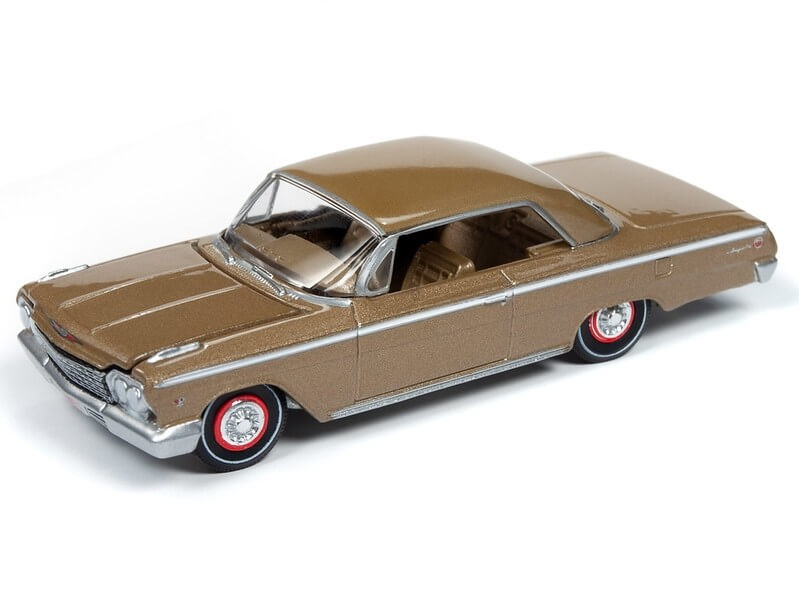 Auto World 1/64 1962 Chevy Impala SS Gold Poly Die-Cast Car