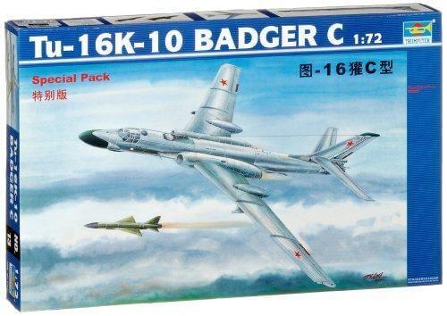 1/72 TU-16K-10 Badger C Plastic Model Kit