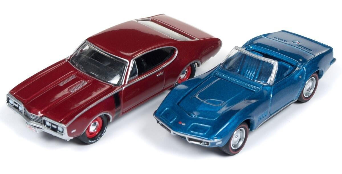 Johnny Lightning 1/64 1968 Chevy Corvette / 1968 Olds 442 2-Car Pack