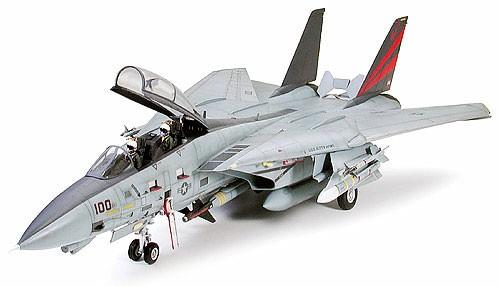 Tamiya 1:32 Grumman F-14A Tomcat Black Knights Plastic Model Kit