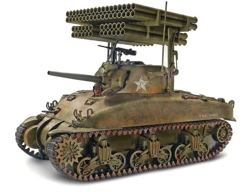1:32 Sherman M4A1 Screamin Mimi Plastic Model Kit