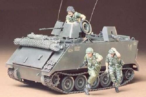 1:35 US M113 ACAV Plastic Model Kit