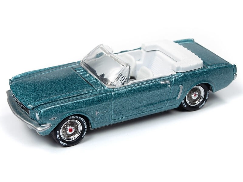Johnny Lightning 1/64 1964 1/2 Ford Mustang Convertible Dynasty Green Die-Cast