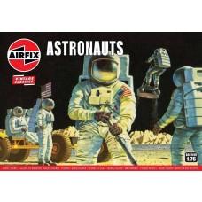 Airfix Vintage Classics 1:76 Astronauts Plastic Model Kit