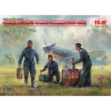 ICM 1/32 German Luftwaffe Ground Personnel Plastic Model Kit