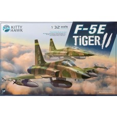 Kitty Hawk 1/32 F-5E Tiger II Fighter Plastic Model Kit