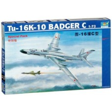 1/72 TU-16K-10 Badger C Plastic Model Kit