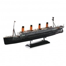 Academy 1/700 R.M.S. Titanic w/ Led Set Plastic Model Kit