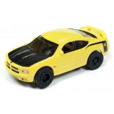 Auto World HO Slot Car 2006 Dodge Charger SRT8 Super Bee Yellow