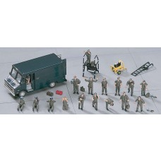 1:72 U.S. Pilot/Ground Crew Plastic Model Set