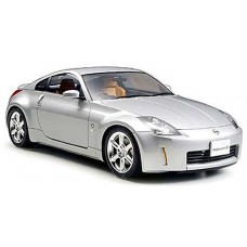 1:24 Nissan 350Z Track Plastic Model Kit