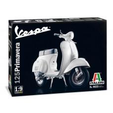 """Italeri 1:9 Vespa 125 """"Primavera"""" Plastic Model Kit"""