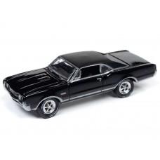 Johnny Lightning 1/64 1967 Olds 442 W-30 Gloss Black Die-Cast