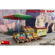 Miniart 1:35 Street Fruit Shop Plastic Model Kit