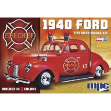 1/25 1940 Ford Fire Chief Snap Plastic Model Kit