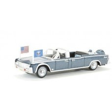 Oxford Diecast HO Scale 1961 Lincoln Continental X100 Metallic Presidential Blue