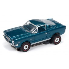 Auto World 1965 Ford Mustang Fastback Green HO Slot Car SC336