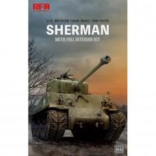 RyeField Model 1/35 M4A3 76W HVSS Sherman with Full Interior Plastic Model Ki