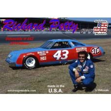 Salvino JR 1/25 Richard Petty 1979 Oldsmobile Plastic Model Kit