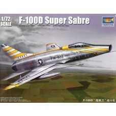 Trumpeter 1/72 F-100D Super Sabre Fighter Plastic Model Kit