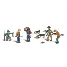 Woodland Scenics HO Scale Rabbit Hunt Figures
